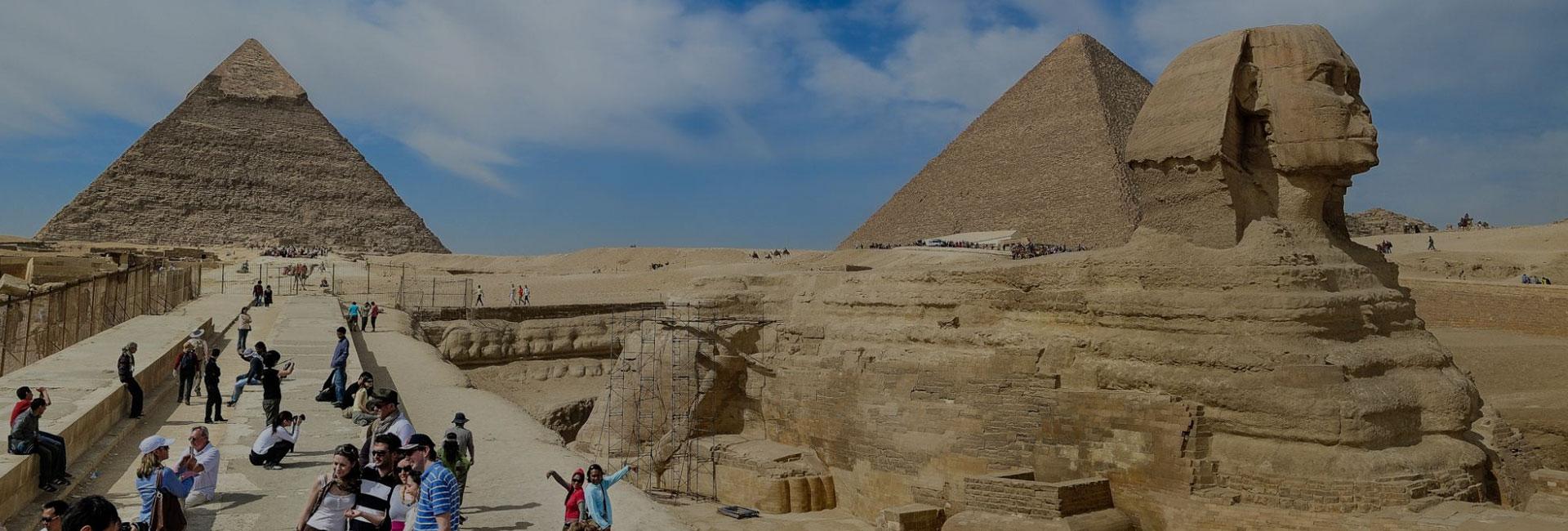Giza pyramids & Egyptian Museum
