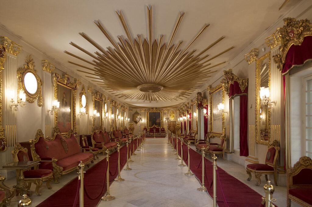 Manyal Palace